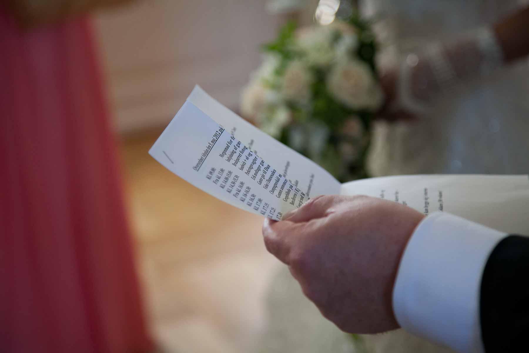 f35c7960 Vælg kompetente, erfarne fagfolk, der brænder for bryllupper. Brug en  bryllupsplanlægger hvis du er i tvivl eller har brug for input.