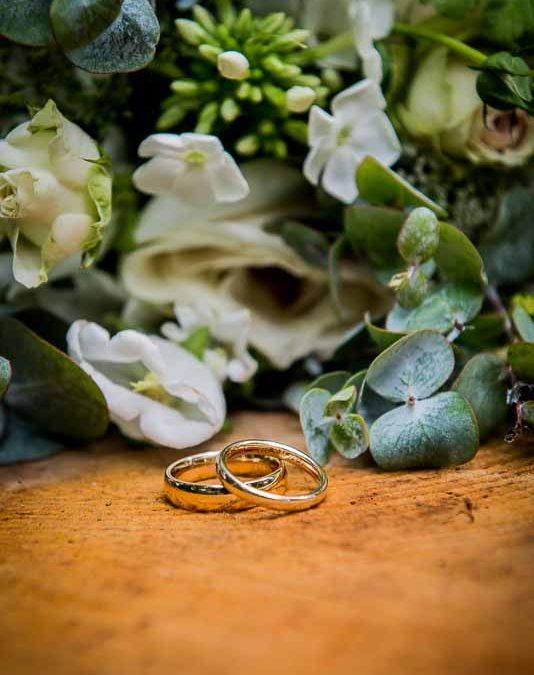 Forlovelsesringe og vielsesringe til dit bryllup
